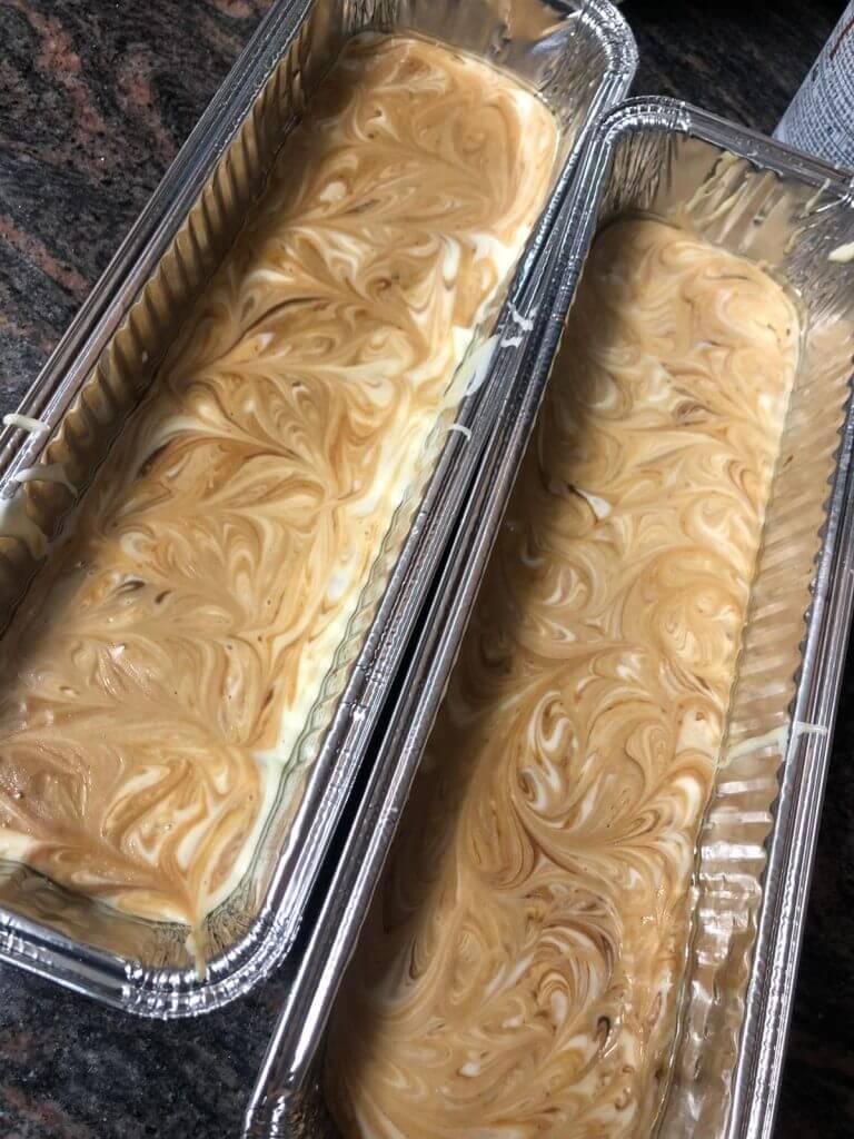 זוג עוגות ריבת חלב וקוקוס